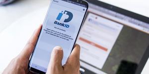 Samtliga sk betaltjänster kräver bank-id, skriver Håkan Semb angående SJ och Swedbank.