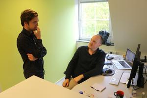 SN:s medarbetare Gabriel Nilsson och Oscar Strandberg, som båda är nya på redaktionen nu i höst.