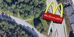 På tomten intill trafikljusen på Nyköpingsvägen kommer en ny McDonaldsrestaurang öppna i höst. Bygglovet ger grönt ljus för en 15 meter hög skylt.
