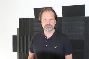 Patrik Frisk ordnar Härjedalskalaset. Foto: Privat