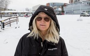 """Mia Tuhkasaari, 52, löneadministratör, Nykvarn: """"Glädje till alla – jag önskar att alla ska få vara glada och må bra."""""""
