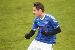 Filip Paulsson brinner för moderklubben Delsbo – men 22-åringen har också ambitioner att spela högre upp i seriesystemet.