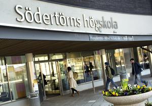 Huvudentrén till Södertörns högskola i Flemingsberg.