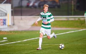 Mathias Benker gjorde 15 matcher med VSK den här säsongen, elva av dem från start. Men han följer inte med klubben upp i superettan.