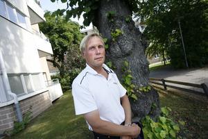 – Jag tycker inte att Patrik har misskött sig, men jag tror att William har en förmåga att skapa en positiv bild av partiet och locka till sig väljare, säger Pekka Seitola, M.
