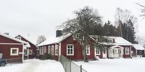 Två tillfälliga förskoleavdelningar ska öppnas i den nedlagda Fagerviks skola i Sorunda.