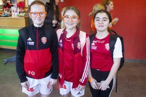 Freja Olén, Elli Nyberg Wiklundh och Merela Kasbar spelar för SIF.