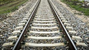 1,7 kilometer järnväg ska byggas.