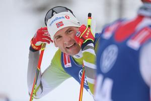 Niklas Dyrhaug efter målgången i Bruksvallarna efter sin första längdtävling på 19 månader.