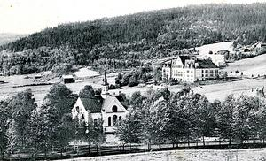 Sköns fattiggård och kyrka. Fattiggården ligger strax norr om dagens köpcentrum.