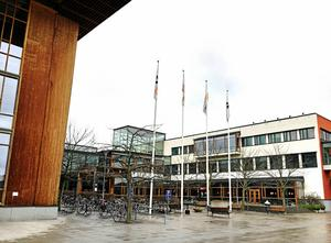 Sjuksköterskeutbildningen har flest sökande på Mälardalens högskola i Västerås. De två populäraste utbildningarna finns dock på MDH i Eskilstuna.