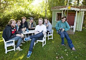 Den svenska björnstammen, klar för School's Out i Söderhamn den 15 juni.