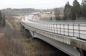 Bron över Garphyttebäcken vid E18 Lekeberg. Världens dyraste salamanderbro?