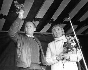 Stig hyllas på Stortorget 1984. Landshövding Elvy Olsson sade i sitt tal: