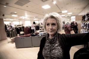 Eva Löfgren har jobbat i butiken i 15 år.