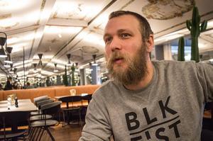 Fredrik Bergsten, restaurangchef Broken Dreams, har sett till att Borlänge fått en levande livescen för amerikansk rootsiemusik.