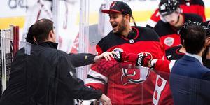 Kontraktet med NHL-klubben New Jersey Devils går ut efter säsongen. Vad som sker därefter är skrivet i stjärnorna just nu. Foto: Carl Sandin/Bildbyrån