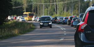 Vid olyckan i förra veckan blev det stopp och långa köer på Järbovägen som även av kommunen klassats som inte trafiksäker för oskyddade trafikanter som cyklister och mopedister.