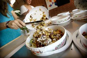 Varje år slängs 67 ton mat i Faluns skolor.