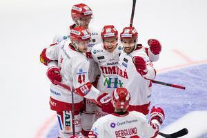 Anton Wedin firar efter sitt mål mot Linköping. Bild: Josefine Loftenius