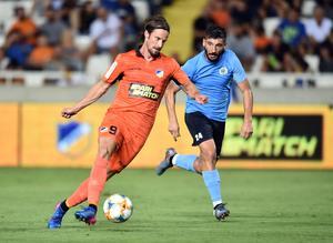 Hallenius lämnade GIF under sommaren för spel med Apoel på Cypern. Bild: Apoel FC.