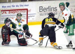 Året är 2003 och Mikael Nilsson spelar allettanpremiär för Östersund mot Vännäs.
