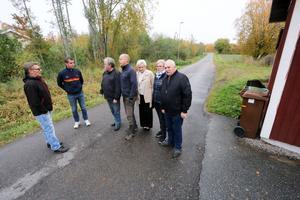 Åbytorps vägförening, som vill slippa ansvaret för gatorna på orten, får åtminstone en utredning om vilka fördelar och nackdelar som finns om kommunen tar över gatuansvaret.