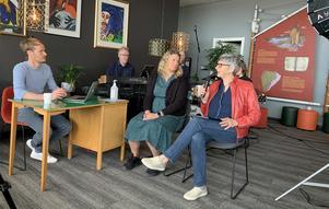 Jens W Nilsson, med gästerna Gunilla Kjellsson från LRF och Jenny Edvinsson från Leader Höga Kusten, under onsdagens livesändning. Se reprisen av det andra avsnittet via länken längre ner i artikeln.