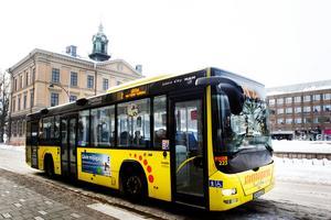 Två skribenter beskriver händelser på stadsbussarna i Gävle och får svar från Nettbuss. Arkivbild