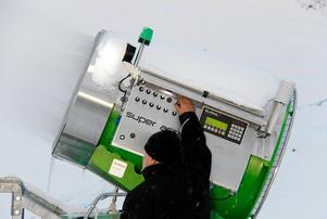 Efter det att avtalet är tecknat är det klart att snökanonerna kommer att börja mullra i Skönviksbacken även nästa säsong.