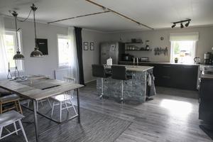 Hela köket renoverades när paret köpte huset.