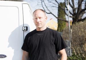 Manuel Praus skadade sig illa vid en arbetsplatsolycka för mer än två år sedan.