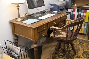 Farfars skrivbord och snurrstolen ville Ingemar inte göra sig av med.