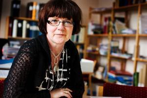 """""""Det känns skönt att äntligen få sätta punkt"""", säger Karin Tegenborg Falkdalen, som arbetat i flera år med sin bok om Gustav Vasas döttrar."""