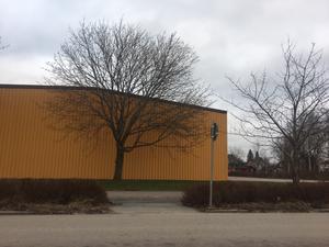 Ska industrifastigheterna på Västra Drottninggatan ersättas med flerbostadshus? Det är en möjlighet som stadsbyggnadskontoret i Kumla skissar på.