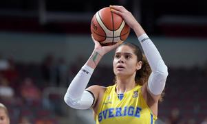 Amanda Zahui under Basket-EM. Foto: Ieva Makare/LETA / TT
