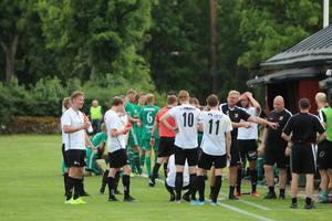 För Åsarp/Trädet blev det en vinst och en förlust på två matcher innan det var dags att ta uppehåll.