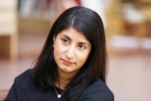 Vilken riksdagsmajoritet tänker sig Falu arbetarekommuns ordförande Roza Güclü Hedin ska formas runt en mer röd ekonomisk politik?