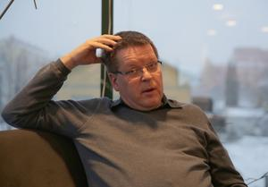 Ludvika kommun med kommunalrådet Leif Pettersson (S) i spetsen stämde i fjol NCC på 280 miljoner. Pettersson hoppas att domstolen ålägger NCC att återuppta arbetet med ledningen.