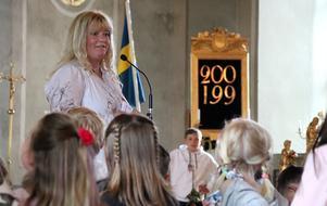 Skolans rektor Katrinne Bylund höll ett somrigt avslutningstal där bland annat paralleller drogs mellan pågående fotbolls-VM och skolans verksamhet, då i form av att båda har mål i sikte.