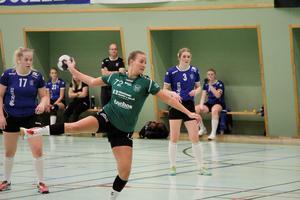 Emma Ullsten vid ett av straffkasten i andra halvlek.