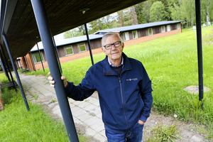 Jan Nääs, tidigare ordförande i PRO Bräcke, är kritisk till att rusta upp det gamla elevhemmet till seniorboende.