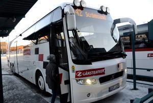 Ungdomarna i Strömsunds kommun får fortfarande betala sina bussresor själva. I övriga länet reser barn och ungdomar 6–19 år gratis på bussarna över hela länet.