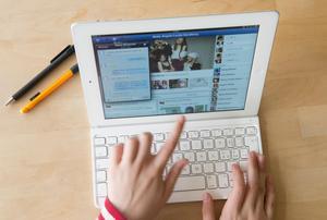 Ny teknik har revolutionerat den politiska debatten. Bild: Fredrik Sandberg / SCANPIX