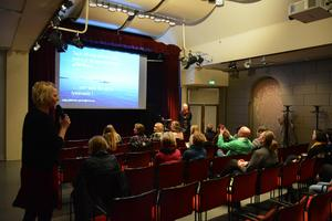Katja Gillander Gådin vid en föreläsning om sexuella trakasserier i Kulturmagasinet.