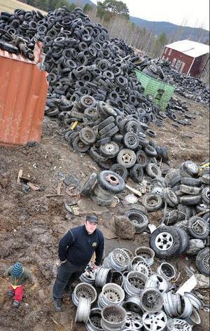 NJR Demontering i Gimdalen för hela tiden påfyllning av skrotade bilhjul.