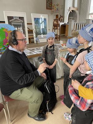 Det är inte varje dag som Leif Eriksson på P4 radio Gävleborg tar sig till Långhed men när det finns tunnbröd på programmet då kommer han.