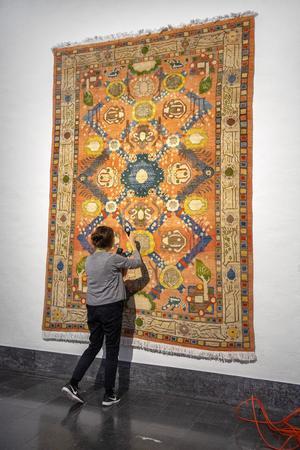 Nariman Djafaris egendesignade matta