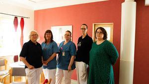 Några av de anställda på Torvalla hälsocentral. Från vänster: Anneli Larsson, diabetes-/distriktssköterska, Lisa Ljusberg, undersköterska, Linda Jonsson, distriktssköterska-/astma och KOL-sköterska, Lena Lövlie, barnsjuksköterska samt Anna Möllerberg, medicinsk sekreterare.