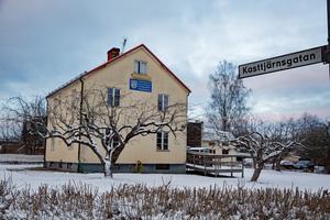 Länkarna har länge haft tillgång till den centralt belägna men ändå avskilt belägna fastigheten i hörnet Kasttjärnsgatan – Fredsgatan sedan 1992.